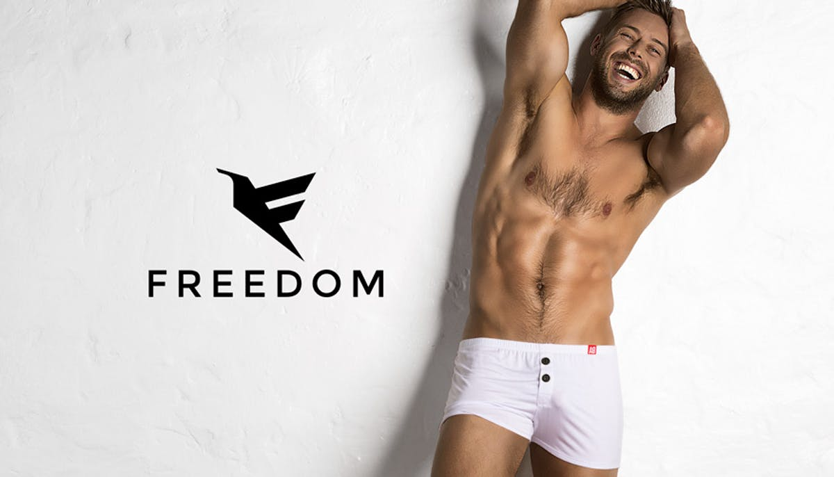 Freedom White V2 Lifestyle Image
