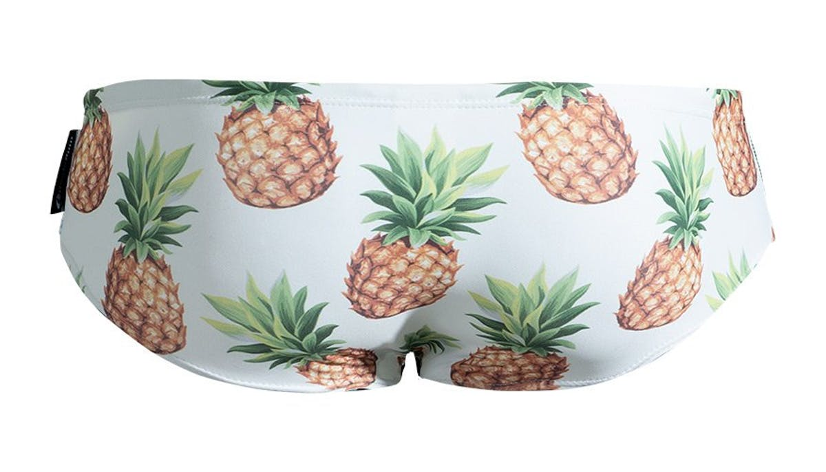 Lowrider Maldives Pineapple Lifestyle Image