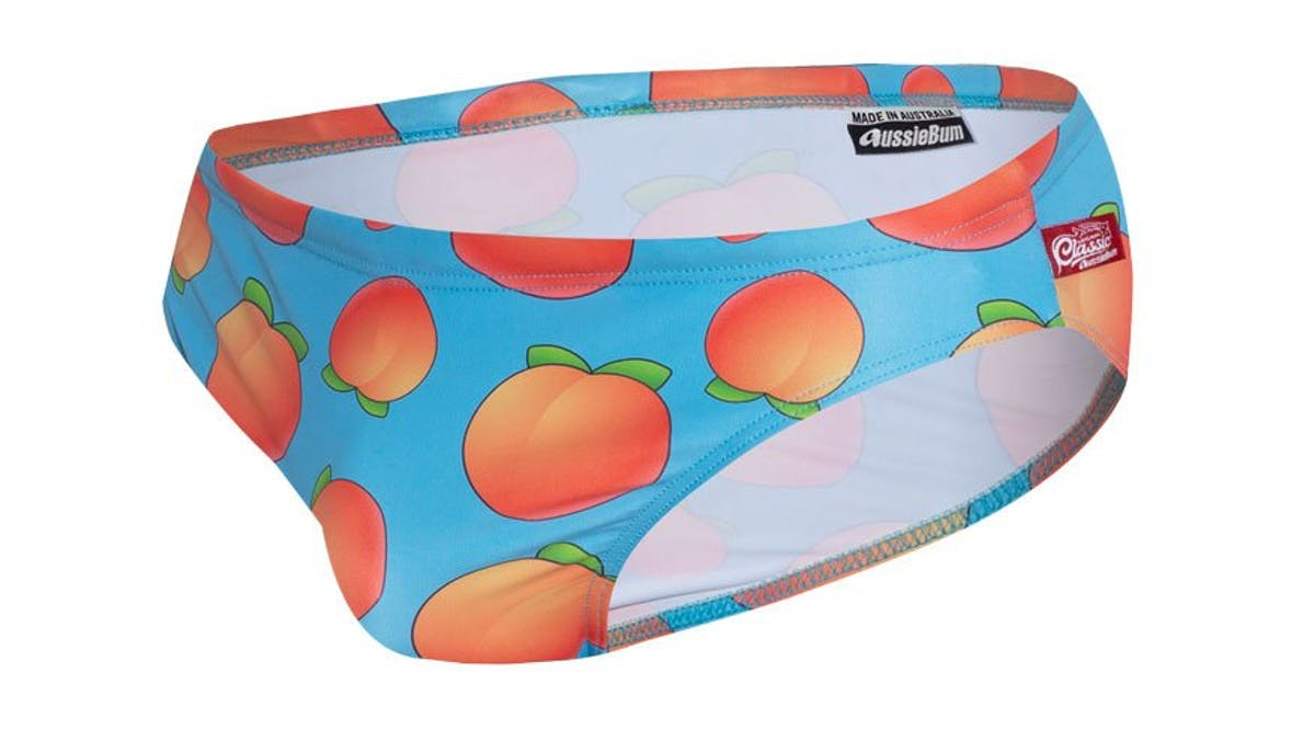 PartyOn Peach Lifestyle Image
