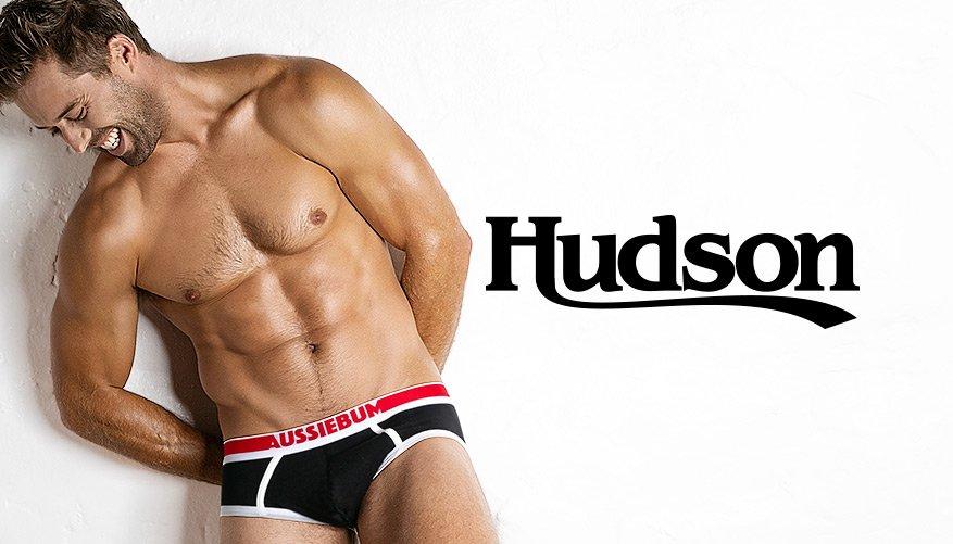 Hudson Black Lifestyle Image