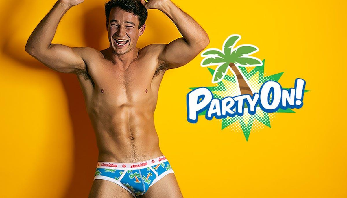 PartyOn Palmtree Lifestyle Image