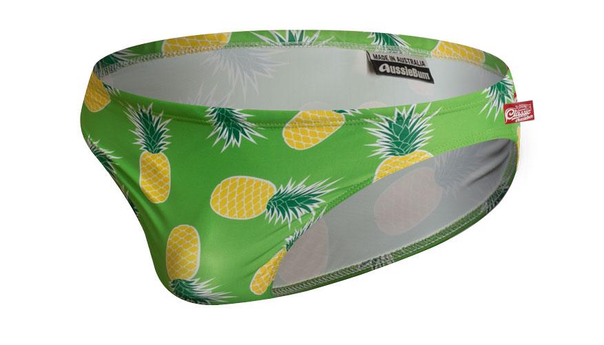 PartyOn Pineapple Green Lifestyle Image